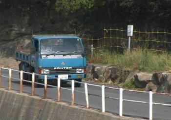トラックーs.jpg