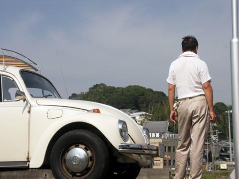 古本さんと車.jpg