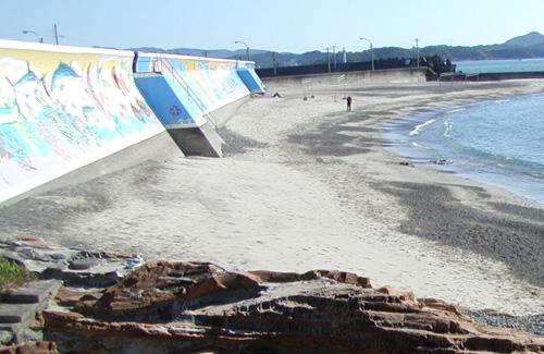 壁画のある浜.jpg