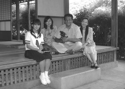 夏美の家族 BWーs.jpg