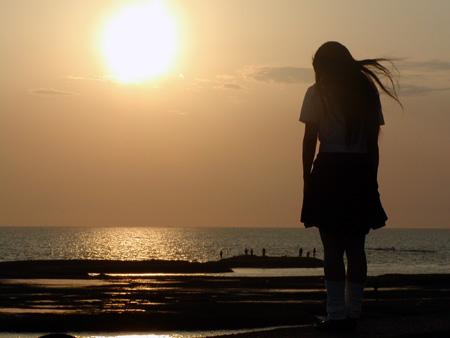 理沙と夕陽.jpg