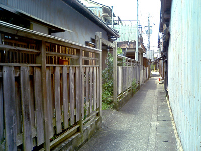 美香の路地4.jpg