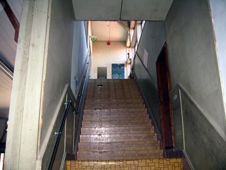 階段−音楽室2.jpg