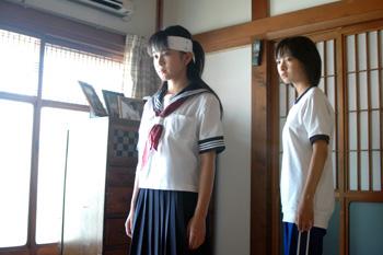 マキと夏美イン美香の部屋.jpg