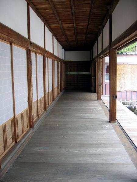 旧本堂ー廊下縦.jpg